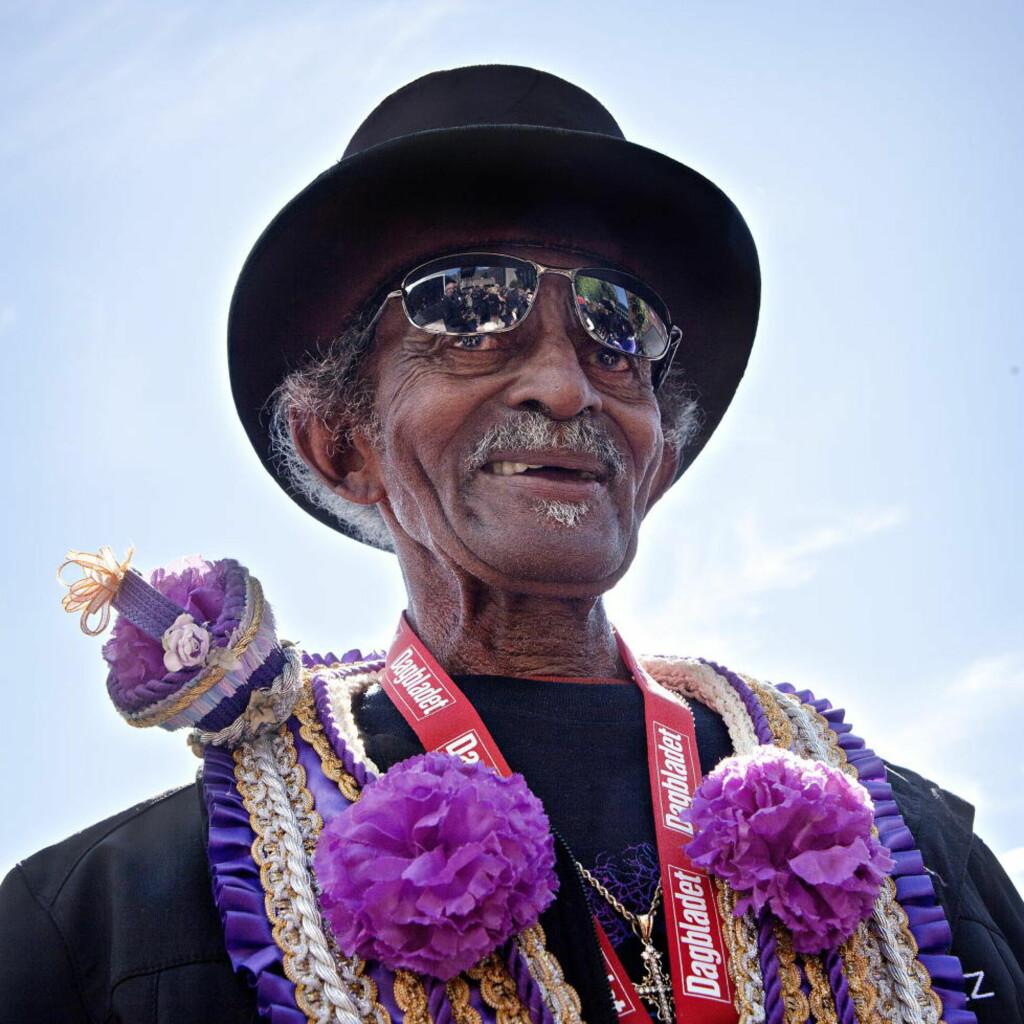 ELEGANT:  «Uncle» Lionel Batiste, Moldejazz? alltid elegante paradegeneral siden 2000, er død og vil bli sterkt savnet av mange når jazzfestivalen braker løs kommende mandag. FOTO: LARS EIVIND BONES/DAGBLADET