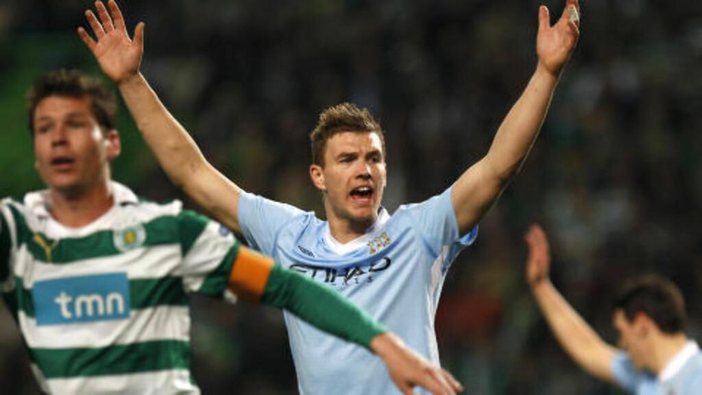 TIL MILAN?: Manchester Citys Edin Dzeko skal være på vei til AC Milan. Foto: AP Photo/Francisco Seco