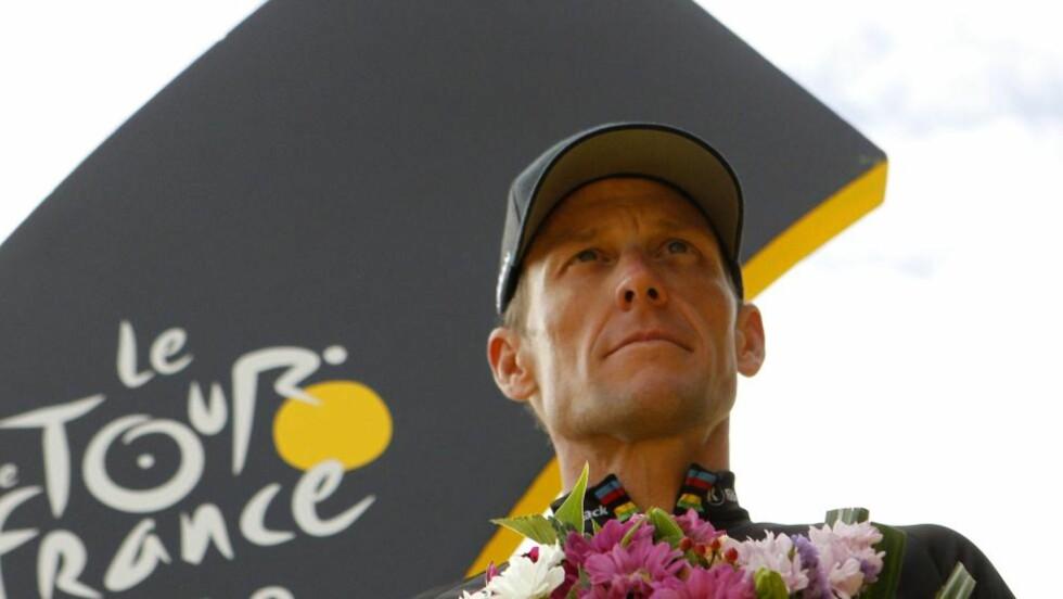 NYTT SØKSMÅL: Lance Armstrong har levert et nytt søksmål mot det amerikanske antidopingbyrået. Foto: AFP PHOTO / JOEL SAGET