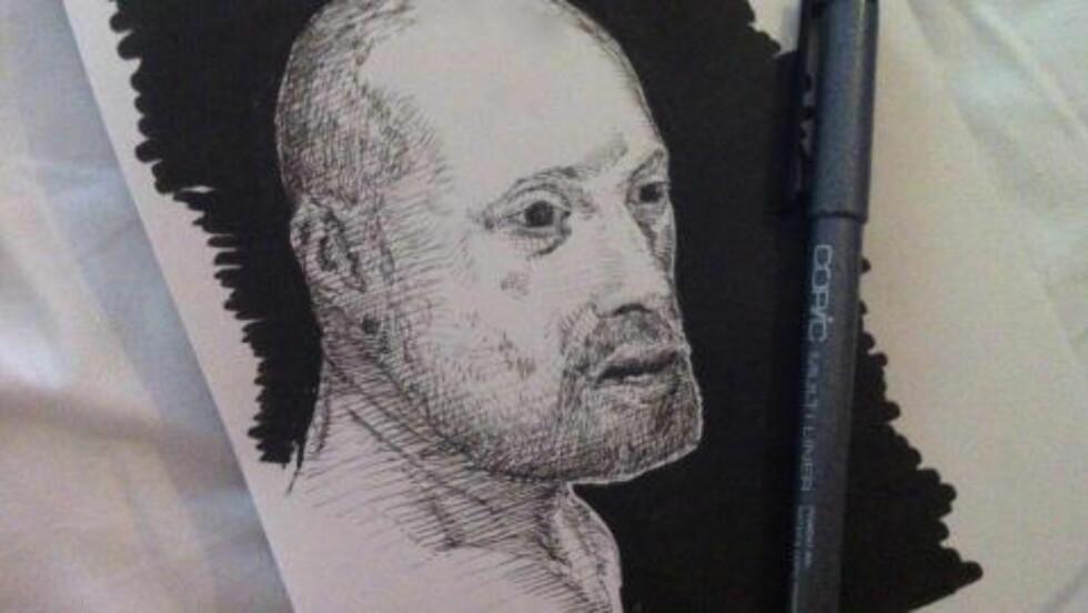 «TROND»: Aksel Hennie har tegnet seg selv som Trond, karakteren han spiller i «90 minutter». Foto: Aksel Hennie / Privat