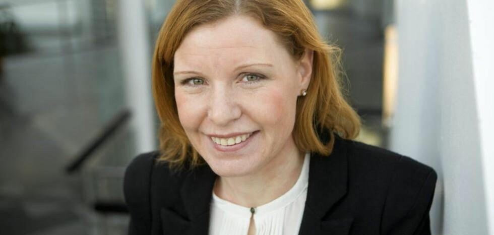 SI DET SOM DET ER: -Kvinner har mye å tjene på å være litt mer direkte i lønnssamtalen, sier Christine Warloe (bildet), forbrukerøkonom hos Nordea. Foto: JOHNNY SYVERSEN/Nordea.