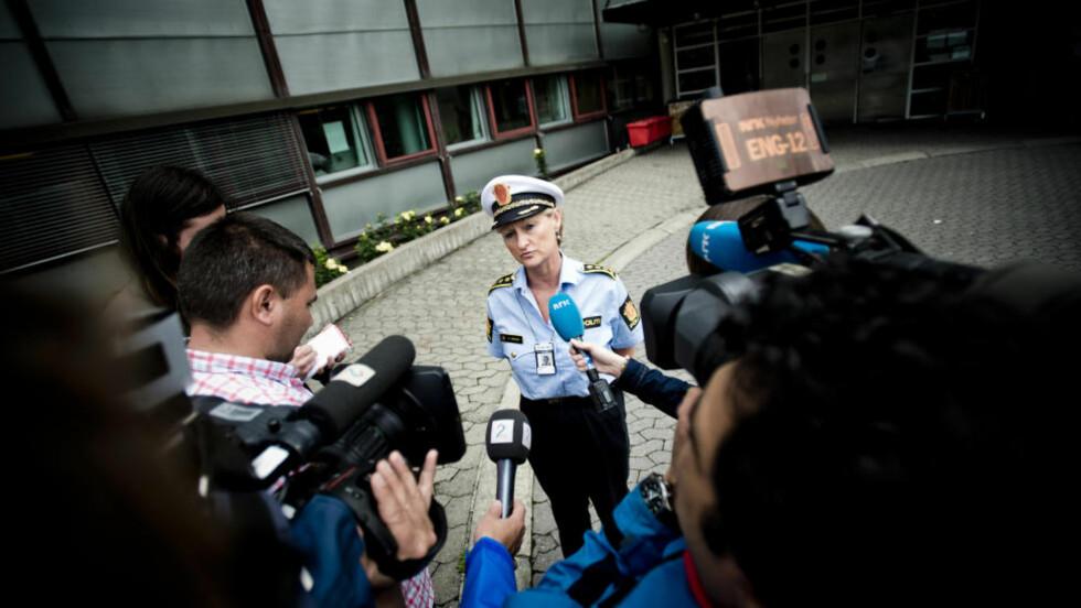 SIKTET SPILLER ER LØSLATT: 24-åringen som ble pågrepet i kampfiksingssaken er løslatt. Her er seksjonssjef Gro Smogeli i Oslo-politiet. Foto: Thomas Rasmus Skaug / Dagbladet