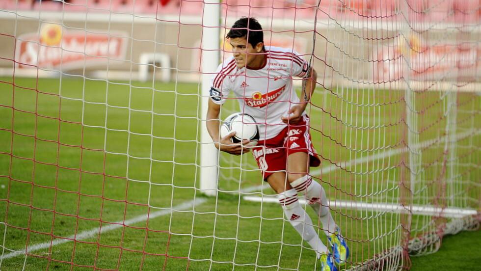 VAR ØNSKET: Tarik Elyounoussi var ønsket av den nyopprykkede Serie A-klubben Pescara, men velger å bli i Fredrikstad.  Foto: Jon Olav Nesvold / NTB scanpix