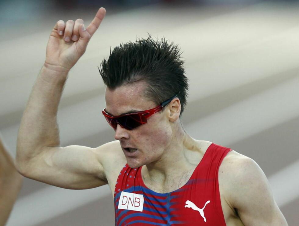 NY REKORD: Den ferske europamesteren Henrik Ingebrigtsen forbedret den norske rekorden på en engelsk mil med nesten to sekunder i London i ettermiddag. Foto: Lise Åserud / NTB scanpix