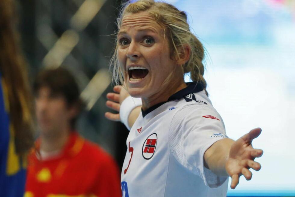 NY PERS: Ida Alstad noterte seg for sju mål i OL-oppkjøringskampen mot Sverige og noterte seg dermed for personlig scoringsrekord i landslagsdrakta. Foto: Tor Erik Schrøder / NTB scanpix