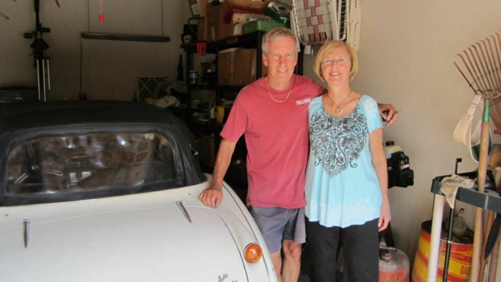 TILBAKE ETTER 42 ÅR: Robert Russell fant den gamle sportsbilen sin på E-bay 42 år etter at den ble stjålet. Foto: AP Photo/Los Angeles County Sheriff's Department