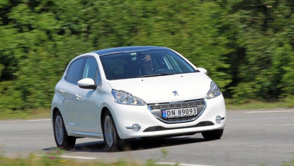 VIKTIG BIL: For Peugeot er småbilsegmentet et veldig viktig marked. Her til lands er det imidlertid flere som velger de større kompaktbilene. FOTO: Terje Bjørnsen