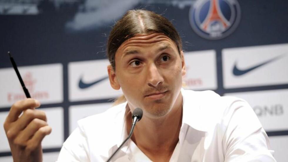 VET LITE OM FRANSK FOTBALL: Paris Saint-Germain har signert Zlatan Ibrahimovic og på pressekonferansen innrømmet svensken at han vet lite om fransk fotball. Foto:   AFP PHOTO / BERTRAND GUAY