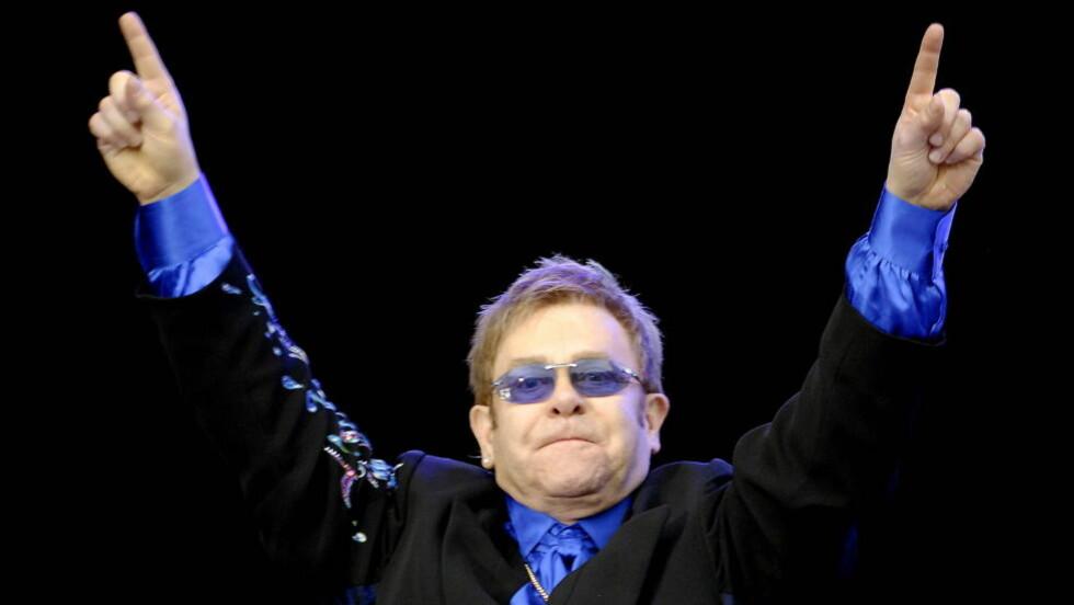 NUMMER 1: Elton John topper nå listene i Storbritannia. Her på konsert på Fredrikstad Stadion.  Foto: John T. Pedersen/Dagbladet