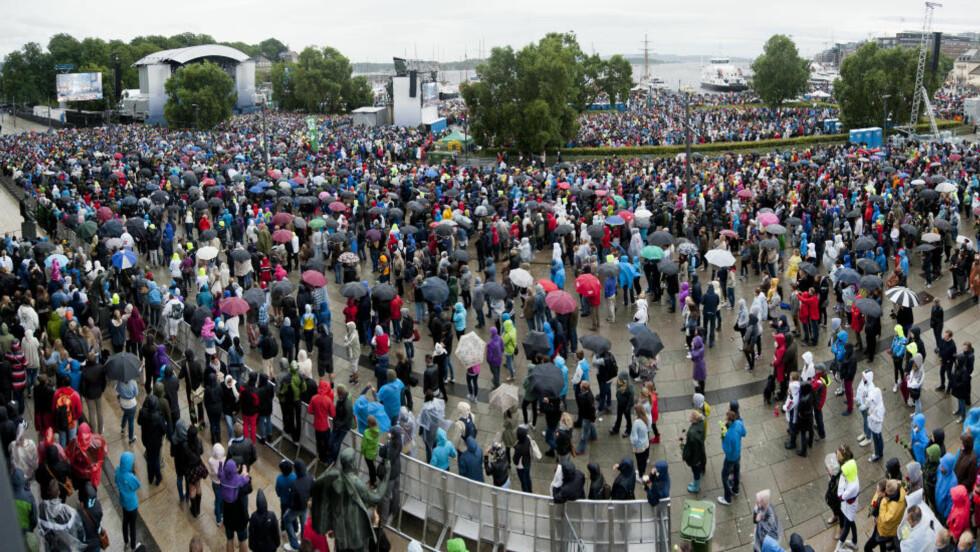 STORT OPPMØTE: Over 50 000 mennesker møtte opp på ettårsdagen etter terrorangrepet. Foto: Benjamin A. Ward/Dagbladet