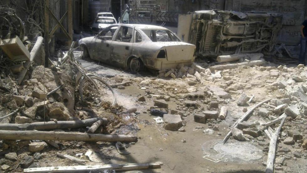 SLÅR TILBAKE:Ødeleggelsene i bydelen al-Midan I Damaskus er enorme etter at regjeringsstyrkene har drevet opprørerne ut. Nå kommer den brutale hevnen fra regimet. Foto:  REUTERS / Shaam News Network / Scanpix