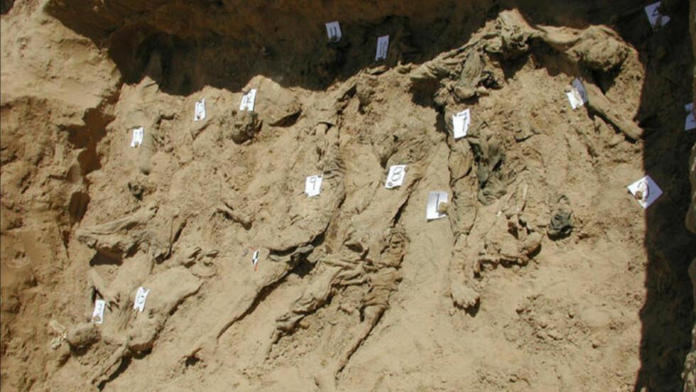 FJERNET MASSEGRAV: Denne massegraven utenfor Mazar-i Sharif skal ha blitt fjernet med bulldosere før granskingen kom i gang. Foto: Physicians for human rights / CREATIVE COMMONS