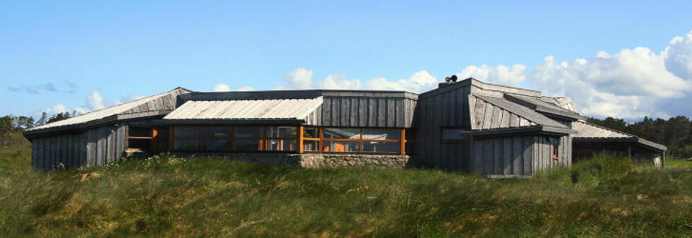 FRILUFTSHUSET på ORRE: Tegnet av arkitekt Per Line glir det naturlig inn i landskapet.