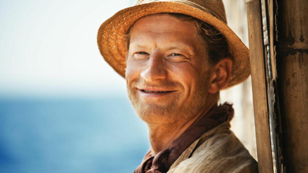 SOM ERIK: Odd-Magnus Williamson som navigatør Erik Hesselberg i storsatsingen «Kon-Tiki».  Foto: Carl Christian Raabe / Nordisk Film Distribusjon AS
