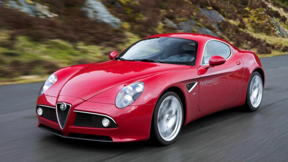 UTSEENDET MED SEG: Alfa Romeo 8C er ikke akkurat noe fælt syn der den kommer. Foto: ANDERS BULL