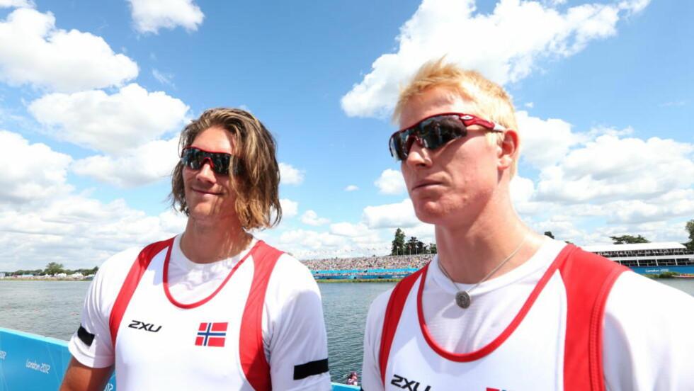VIDERE: Kjetil Borch og Nils Jakob Hoff vant sitt forsøksheat i dobbeltsculler lørdag. Foto: Erik Johansen / NTB Scanpix