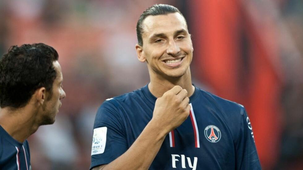 LEVERTE PÅ OG UTENFOR BANEN: Zlatan Ibrahimovic scoret i sin første kamp for Paris Saint-Germain. Foto: SCANPIX/AFP/Nicholas KAMM