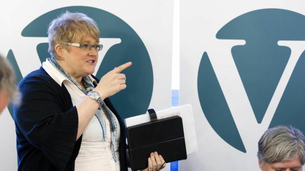 RINGER: Venstres leder Trine Skei Grande ringte for over 84 000 kroner i 2010.  Foto: Gorm Kallestad / Scanpix