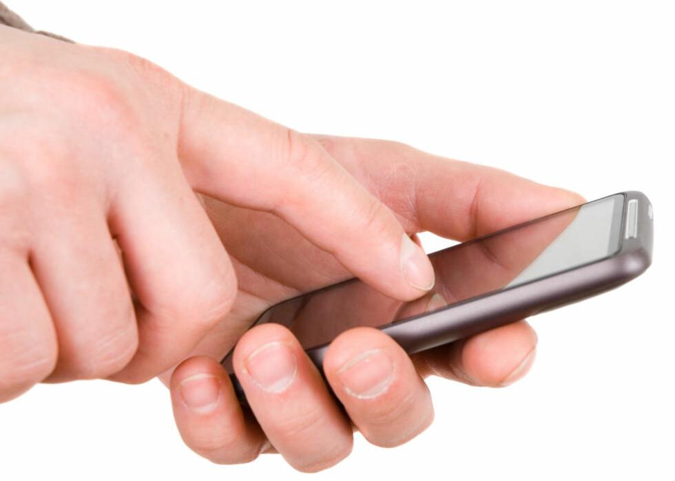 - DETTE MÅ DU PASSE DEG FOR:  Ekspertene advarer blant annet mot å bruke mobilbank på offentlige nettverk og laste ned applikasjoner fra usikre kilder. Foto: COLOURBOX