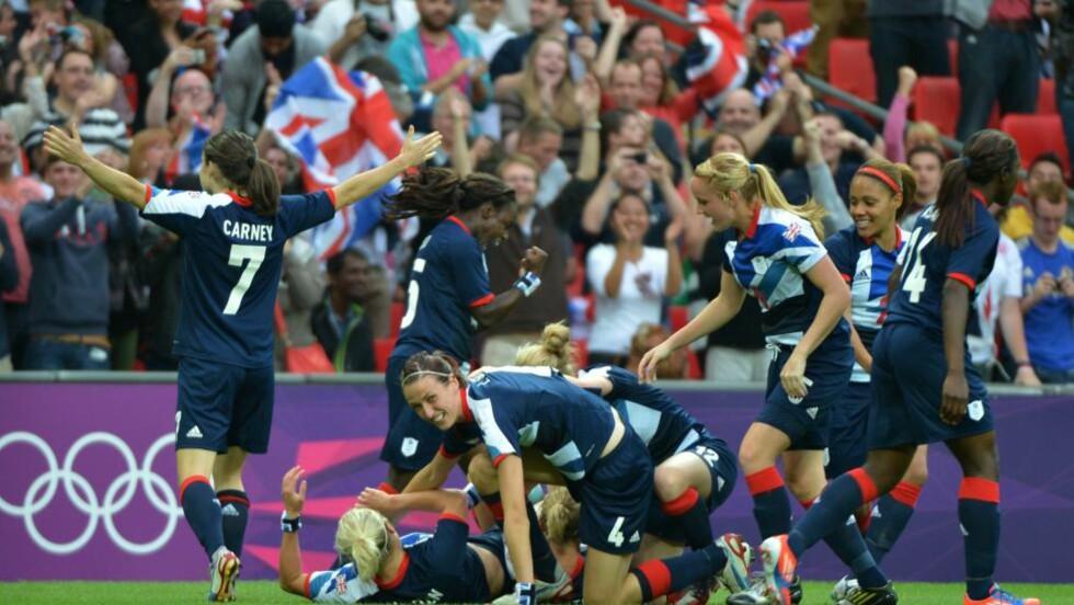 TIDLIG SEIERSMÅL: Stephanie Houghton scoret seiersmålet for Storbritannia mot Brasil allerede etter to minutter foran et rekordstort publikum på Wembley. Foto: KHALED DESOUKI/AFP PHOTO/NTB scanpix