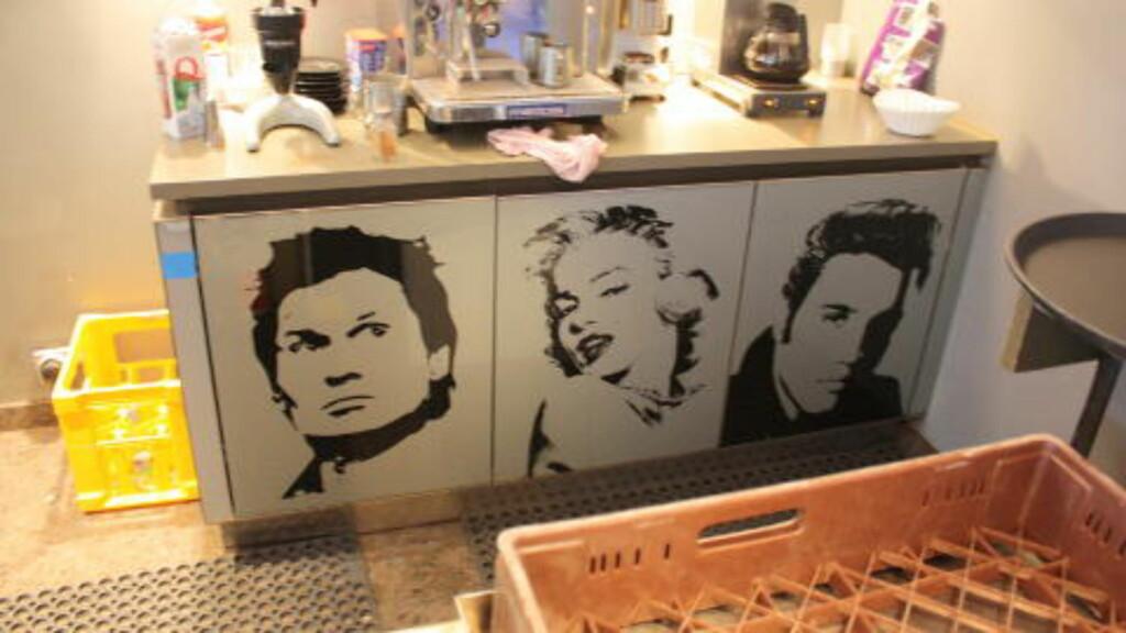 UTEN BARN?:Hvis du kommer til hotellet uten barn kan du alltids henge med Petter, Marilyn og Elvis i baren.