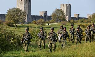 BLE SPURT UT: Fra en nylig øvelse på øya Gotland, der soldater ifølge Försvarsmakten ble stilt spørsmål av personer i utenlandske biler. Foto: Sören Andersson / TT / Reuters / NTB Scanpix