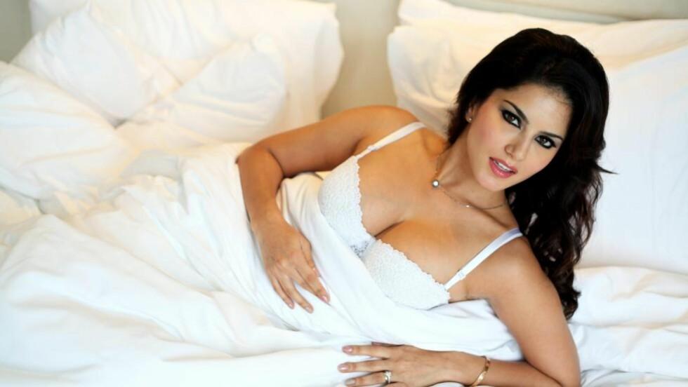 Påkledd debut: I Bollywood-filmen «Jism 2» har pornoskuespiller Sunny Leone hovedrollen. Foto: Anindito Mukherjee / EPA