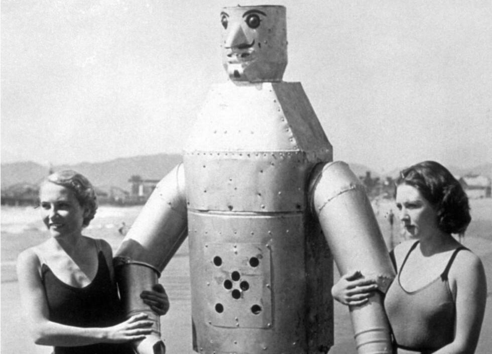 BEGYNNELSEN: Tidlig eksempel på robot på strandtur. Illustrasjon fra boka