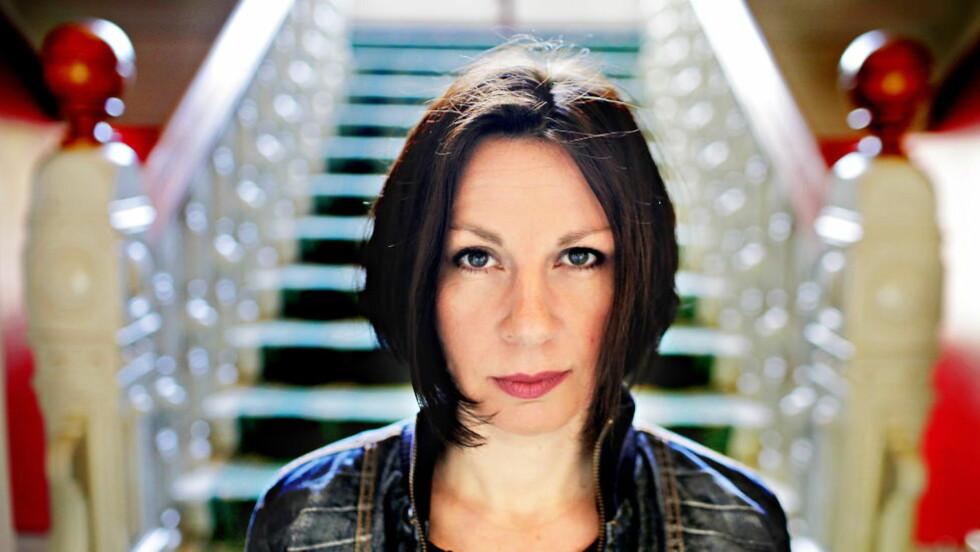 UTE MED OPPFØLGER: Kristine Tofte er en av få norske forfattere som skriver fantasy for voksne. Nå er hun ute med bok to i fantasyserien «Song for Eirabu».  Foto: Lars Eivind Bones