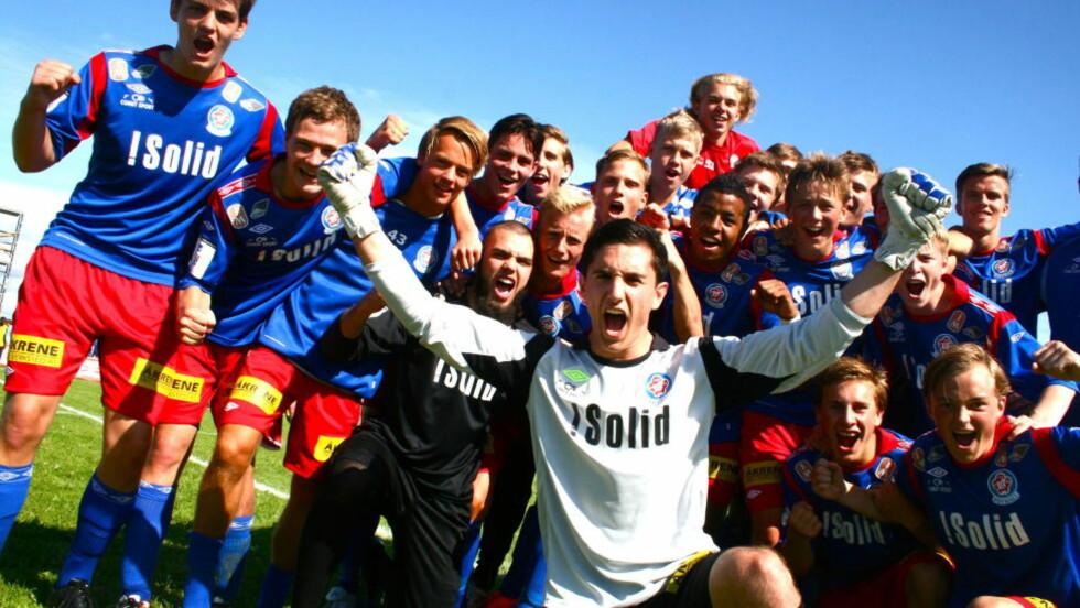 STRAFFE-EKSPERT: Selim Zeybek er ikke førstekeeper på Lørenskog, men var likevel helt avgjørende i seieren i Norway Cup. Han reddet laget i tre straffekonkurranser på rad. Foto: Fredrik Ø. Sandberg / Dagbladet.