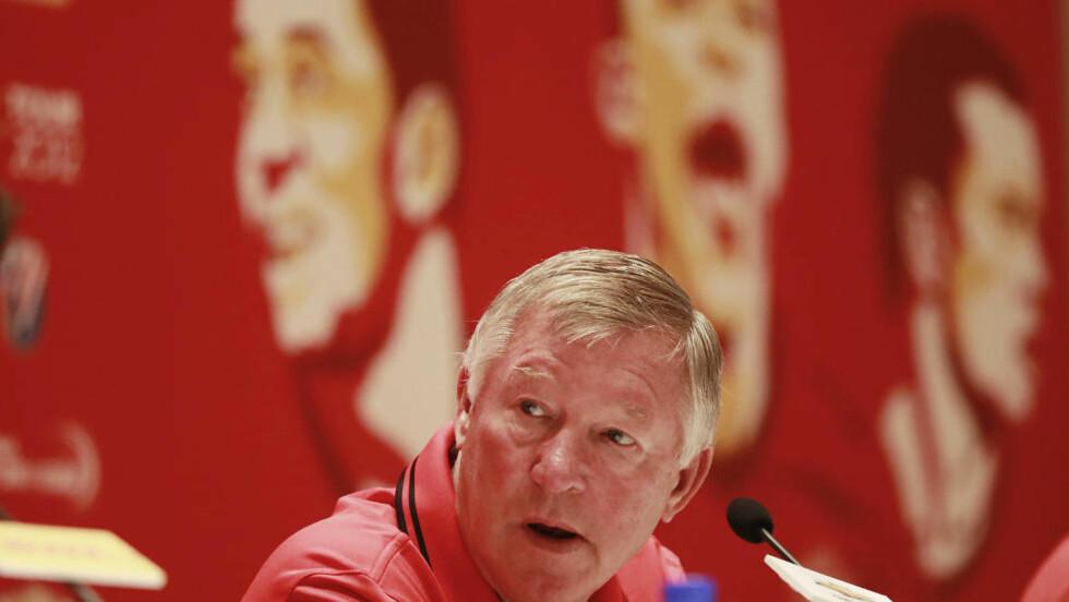 IKKE TIL OSLO: Manchester United-manager Alex Ferguson leder ikke storklubben mot Vålerenga på Ullevaal i søndagens treningskamp. Foto: AP Photo/Eugene Hoshiko