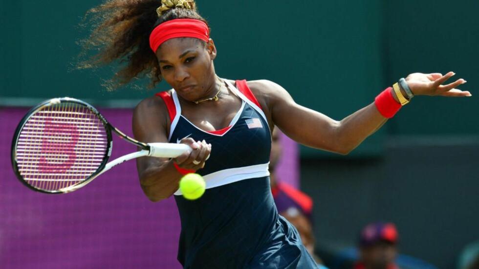 SUVEREN: Serena Williams rundspilte Maria Sjarapova under OL-finalen på Wimbledons centrecourt. Foto: LUIS ACOSTA / AFP / NTB SCANPIX