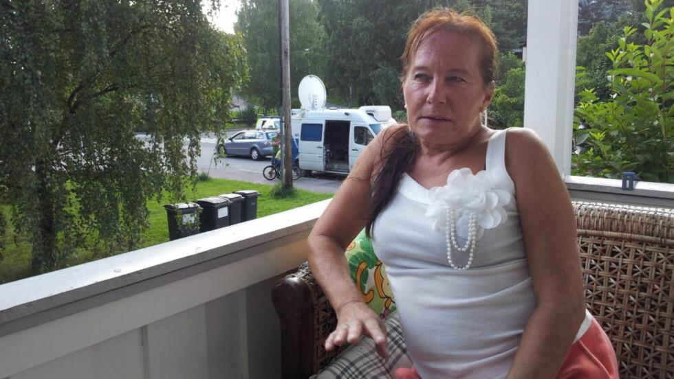 - HØRTE SKRIK: Anne-Mette Sætre forteller Dagbladet om skriket hun og datteren hørte i natt. Foto: Christian Roth Christensen
