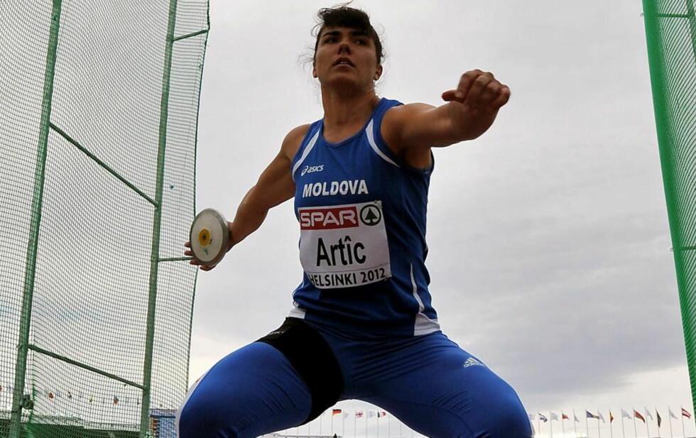 DOPTATT: Natalia Artic er en av to friidrettsutøvere fra Moldova som ikke få stille i OL. Foto: AFP/YURI KADOBNOV