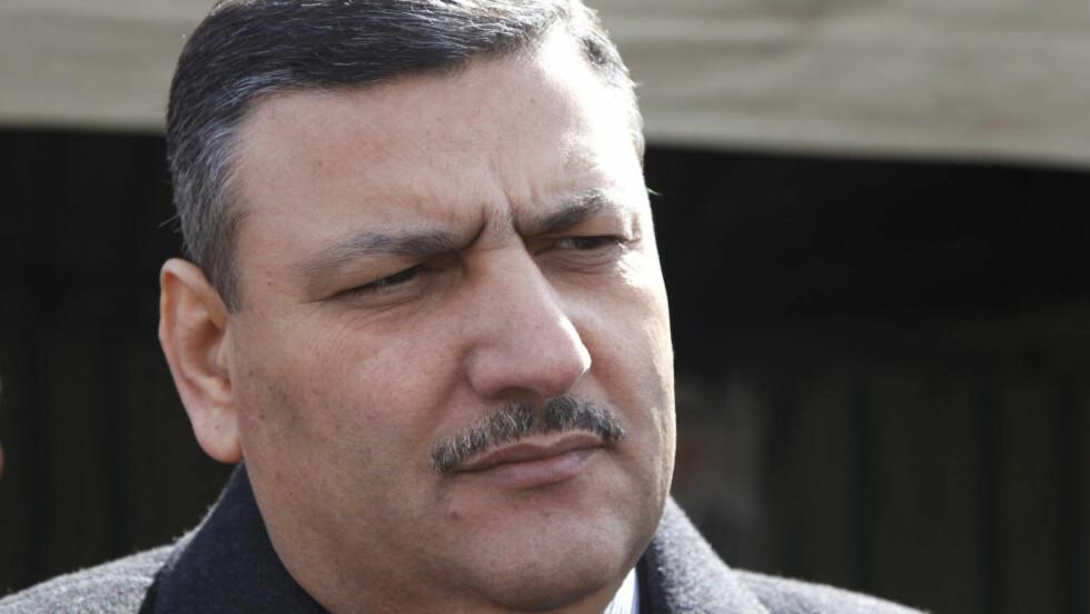 TIL JORDAN?Den syriske statsministeren Riyad Hijab skal ha vendt ryggen til Bashar al-Assad og forlatt regimet. Syrisk fjernsyn melder at Hijab har fått sparken. Khaled al-Hariri / REUTERS