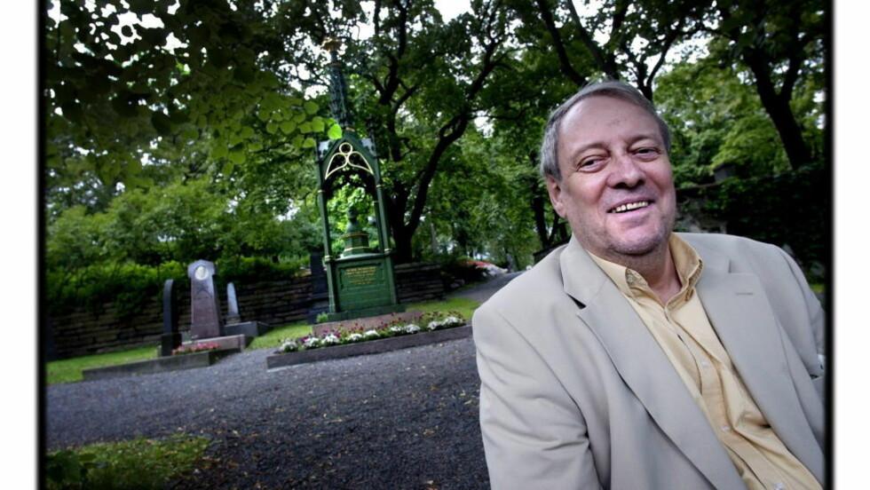 JUBILANT: Olav Angell fyller 80 år. Foruten et fabelaktig eget forfatterskap, har han som oversetter formidlet en rekke betydningsfulle diktere. Foto MARTINSEN/TOM Dagbladet