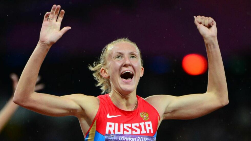 VANT: Julia Zaripova fra Russland ble OL-mester på 3000 meter hinder for kvinner. Hun spurtet fra konkurrentene og vant på 9.06,72. Foto: AFP PHOTO / OLIVIER MORIN