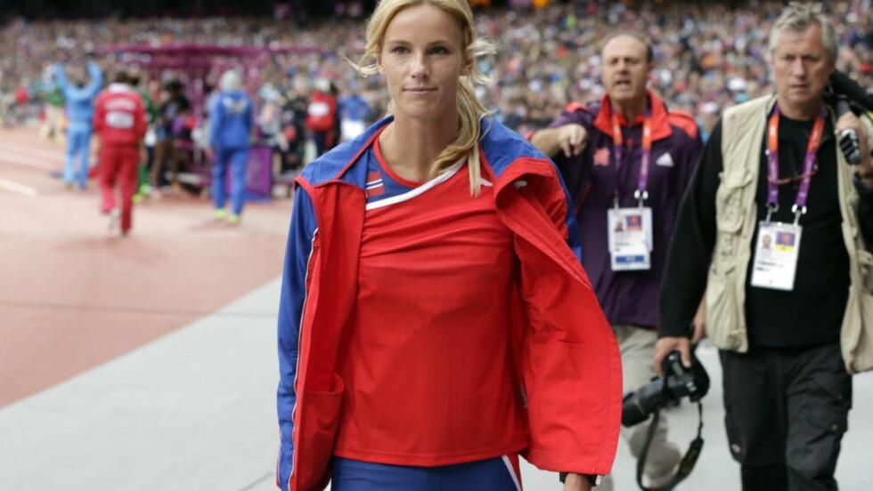 OL-NEDTUR: Margrethe Renstrøm måtte avryte oppvarminga med skade. OL-drømmen gikk i tusen knas. Foto: Lise Åserud / NTB scanpix