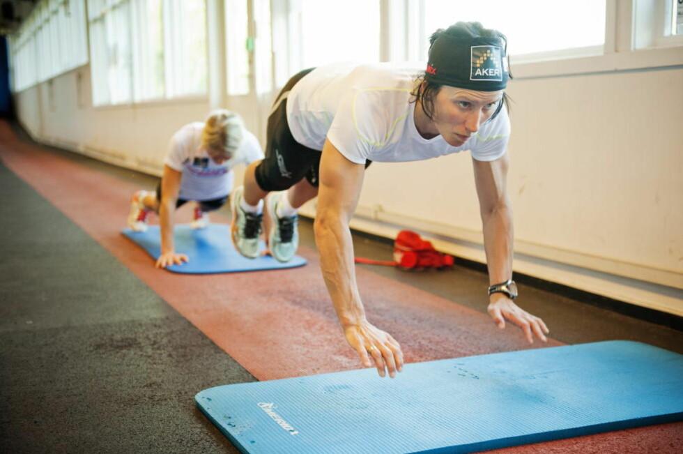 UTÅLMODIG: Marit Bjørgen er utålmodig etter å snøre på seg joggeskoene igjen etter at en belastningsskade i låret har hindret henne i å drive løpetrening de siste ukene. Foto: Fredrik Varfjell / NTB scanpix