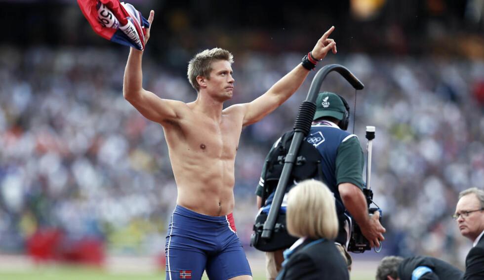 SLIK FEIRET HAN: Andreas Thorkildsen feiret kastet som ga ham finaleplass på denne måten. Nå kalles han «Thor den mektige» av redaktøren for Athletics Weekly. Foto: Bjørn Langsem / Dagbladet.
