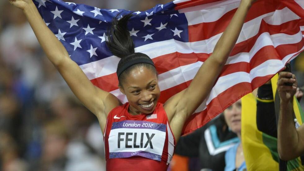 GULL: Allyson Felix lykkes endelig da hun vant kvinnenes 200 meter i OL onsdag. Tidligere har hun satset på 200- og 400-meter, men satset i år på 100- og 200-meter. Foto: AFP PHOTO / ERIC FEFERBERG