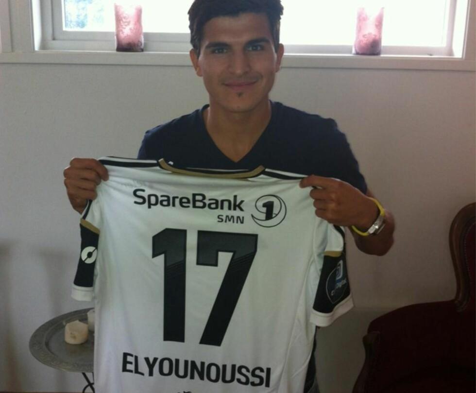 RBK-KLAR: Tarik Elyounoussi er klar for Rosenborg, og har fått trøye nr. 17. Foto: Tore Pedersen / @eagletore