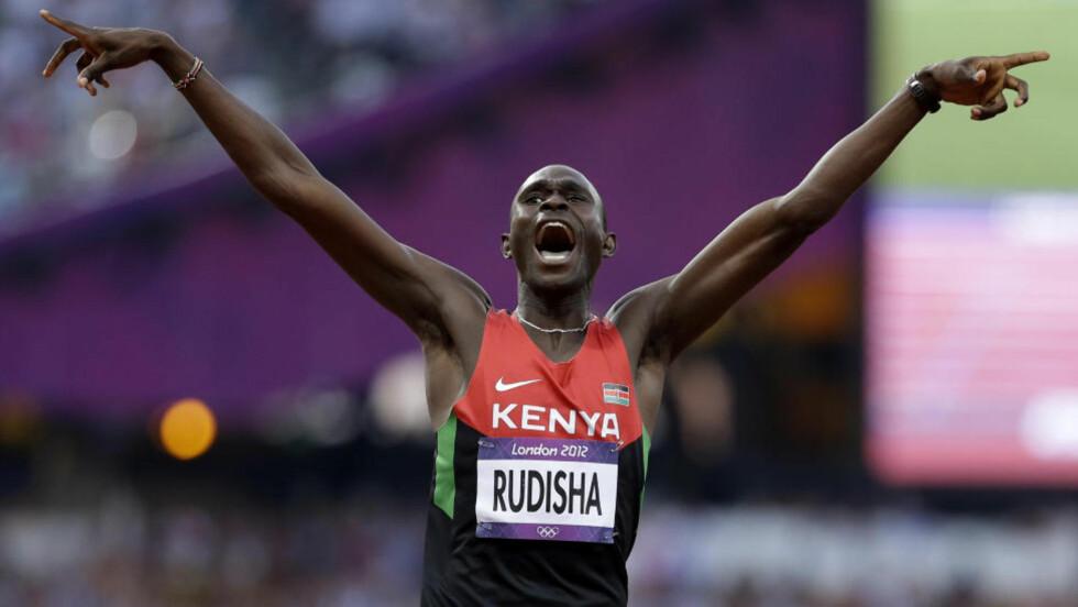 SUVEREN: David Lekuta Rudisha knuste Vebjørn Rodals olympiske rekord - og verdensrekorden! Foto: AP Photo/Anja Niedringhaus)