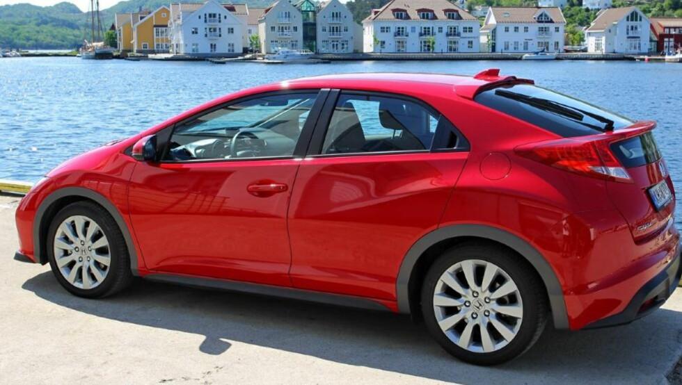 ET SUPERT VALG: Honda Civic med 2,2 liters diesel utgjør en fin kombinasjon av sportslighet, komfort og god plass. Foto: Terje Bjørnsen