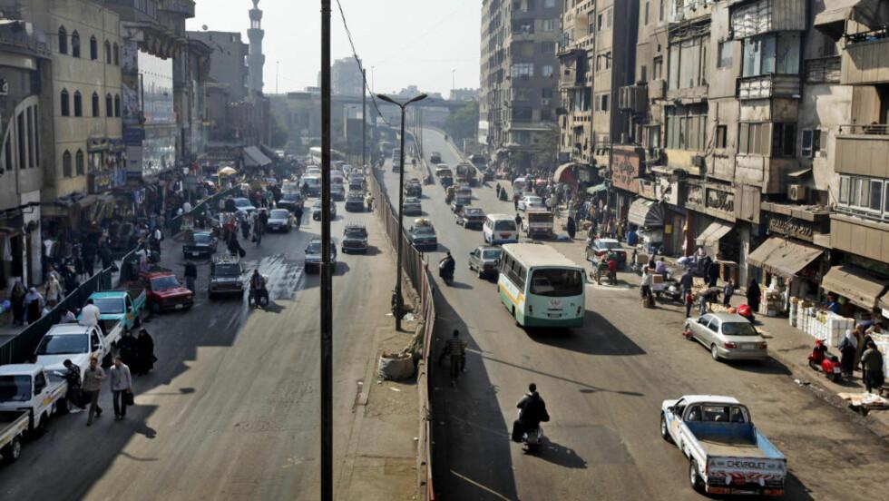 SKAL HA BODD HER: Heim skal ha bodd i denne gata i Kairo, under navnet Tarek Hussein Farid. Foto: AP / Ben Curtis / NTB Scanpix