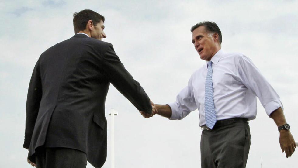 FULL TILLIT: Mitt Romney har så stor tillit til sin visepresidentkandidat Paul Ryan at han i dag like godt utnevnte ham til USAs neste president.Foto: AP/Mary Altaffer