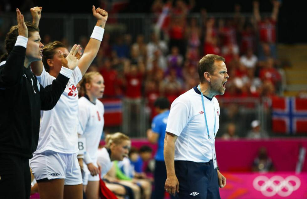 STOLT: Thorir Hergeirsson har ledet Norge til triumf i tre mesterskap på rad. Foto:   REUTERS/Marko Djurica
