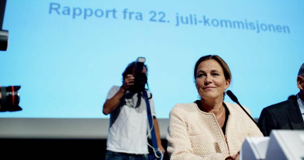 HARD DOM: Kriseberedskapen får en hard dom. Leder for 22. juli-kommisjonen, Alexandra Bech Gjørv, presenterer rapporten på en pressekonferanse. Foto: Stian Lysberg Solum / NTB scanpix