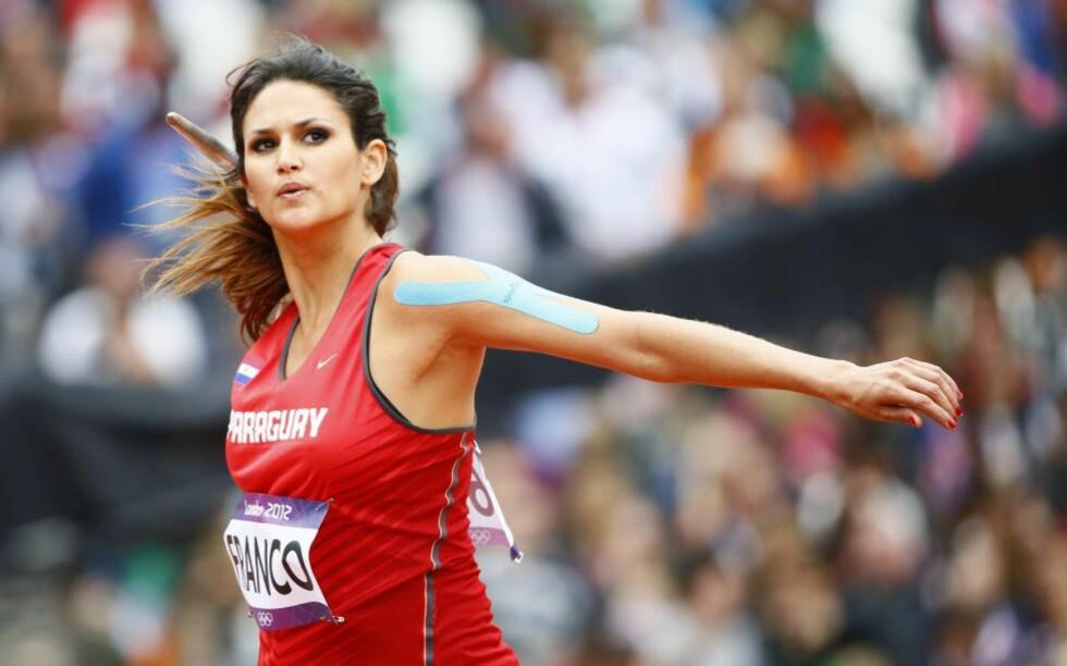 V: Spydkasteren Leryn Franco fra Paraguay deltok i OL av helt andre årsaker enn sportslige, og var ikke flau over å innrømme det. Foto: KERIM OKTEN / EPA / NTB Scanpix