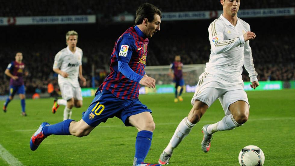 STARTER TIL HELGA:Lionel Messi og Cristiano Ronaldo vil etter all sannsynlighet kjempe om seriegullet for Barcelona og Real Madrid den kommende sesongen. Seriestart er til helga. Foto: AP Photo/Manu Fernandez